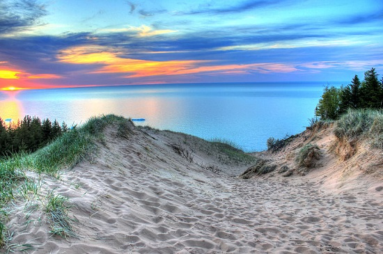 Michigan-pictured-rocks-national-lakeshore550