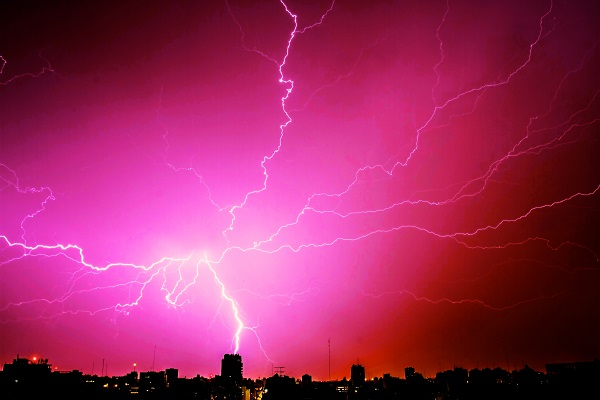 lightning 15 600x400